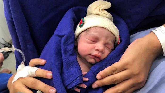 Verloskundig nieuws - Baby geboren na baarmoedertransplantatie